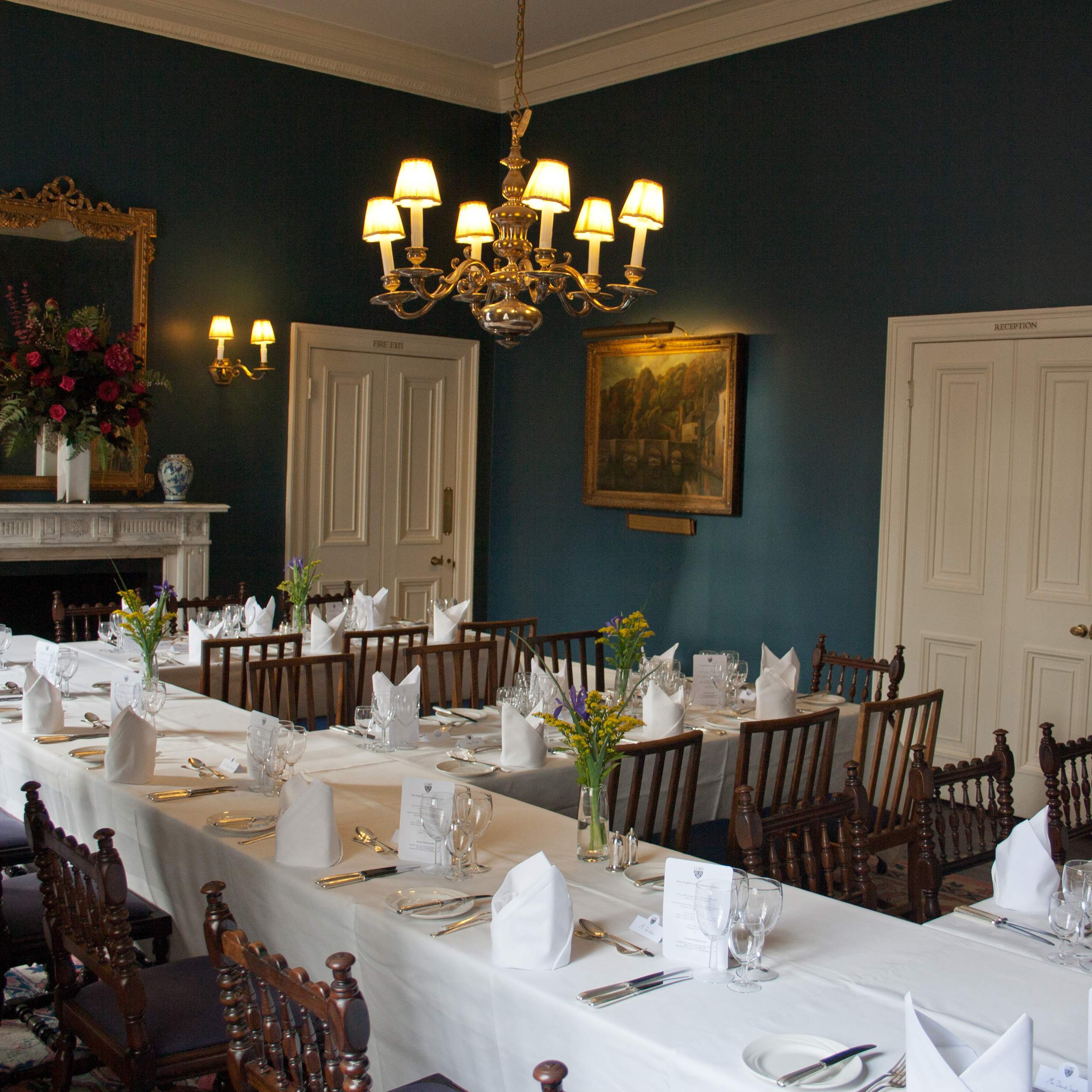 10-conference-dining