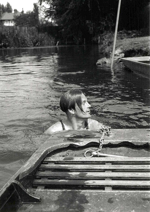 Swimming and punting in the Cam (1932-37)