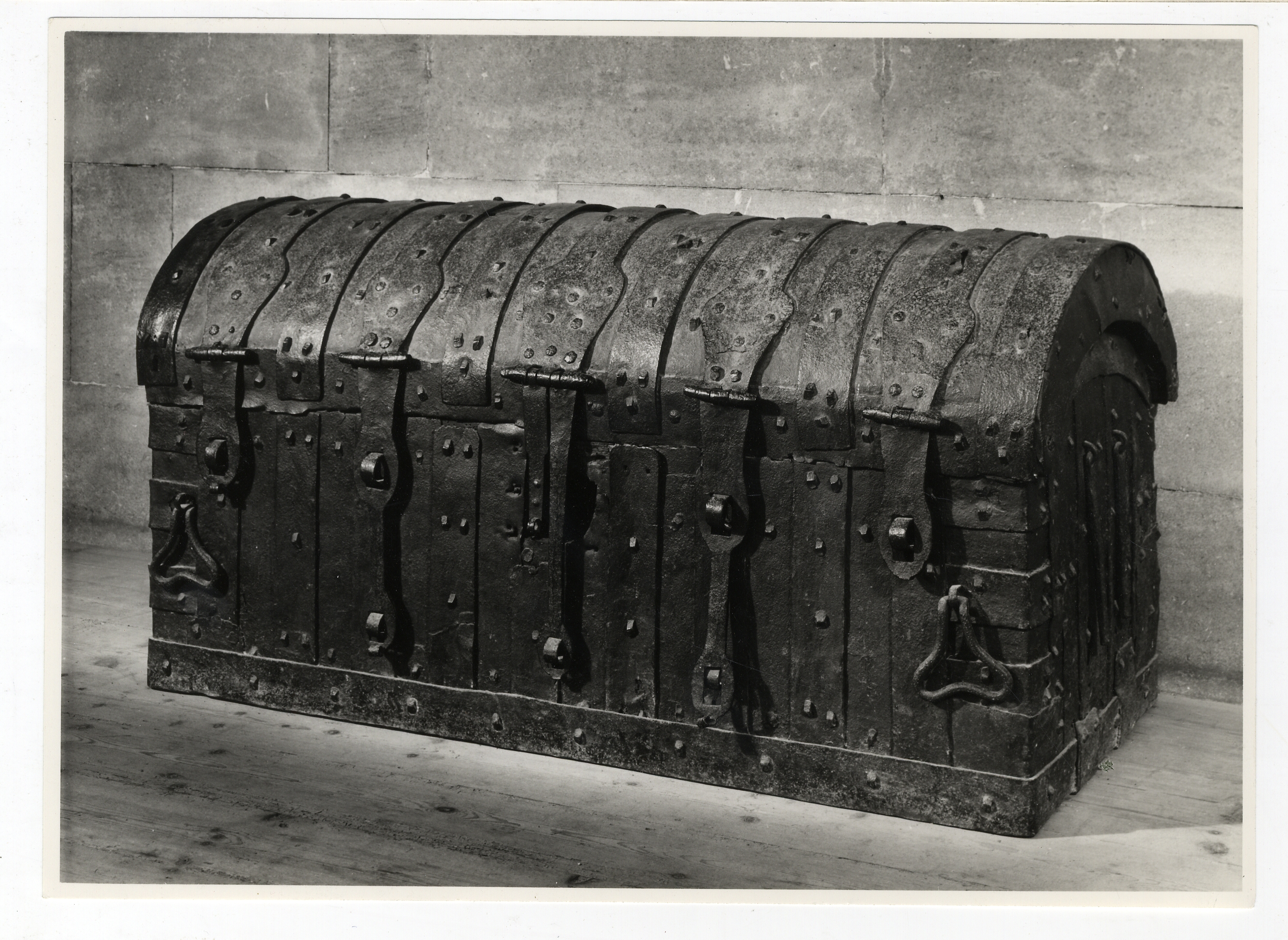 Coffer in which gold and silver were sent by the trustees of Henry VII, about 1510, for the completion of the Chapel. Photograph: Ramsey & Muspratt, 1951. [Coll-Ph-917].
