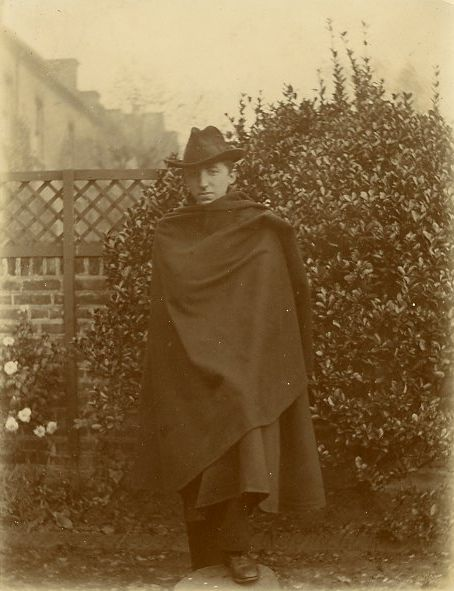 Forster in his Italian cloak and hat. Taken at Putney in 1902. [EMF/27/252]