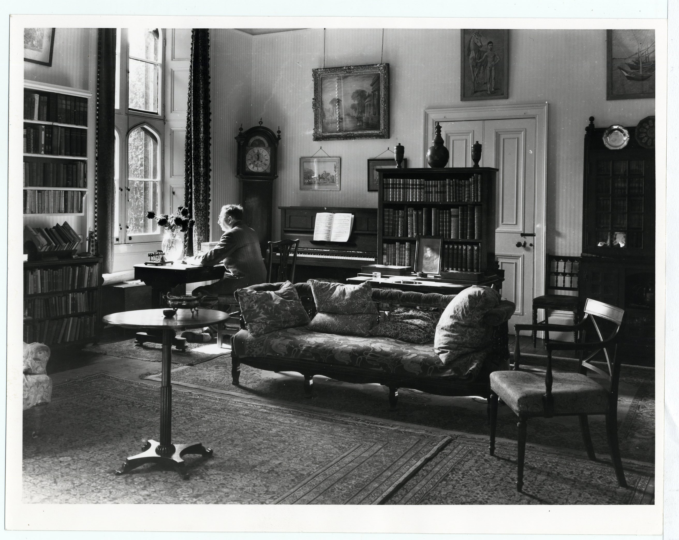 Forster in his College sitting room, taken by Edward Leigh, 1968. [EMF/27/861]