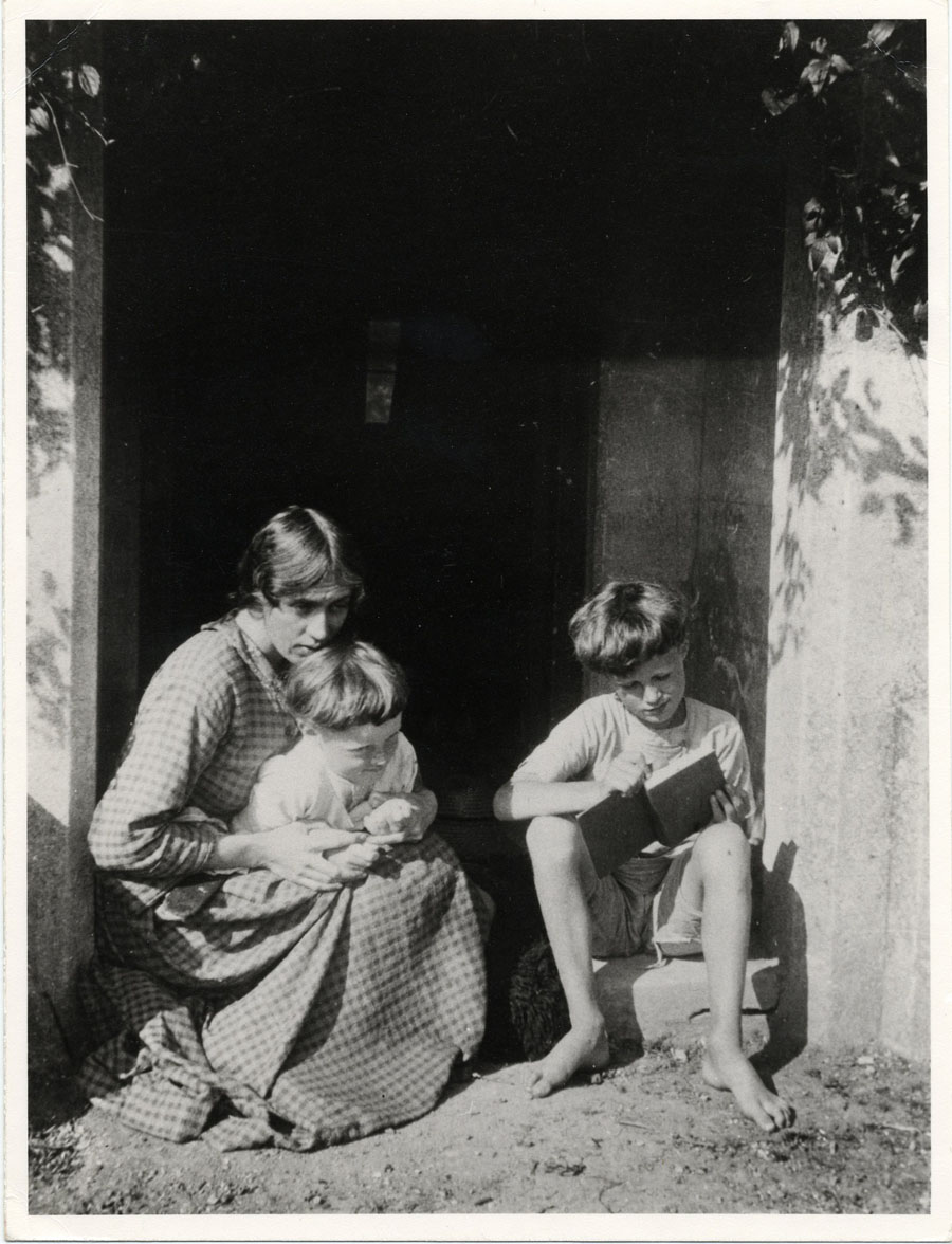 Vanessa Bell with her sons Quentin and Julian, taken at Charleston, c.1917 (GHWR/5/222).