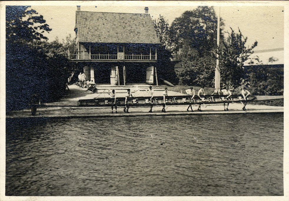 A photo of the original boat house, taken in 1936. [KCAS/5/4/1/1936/8]