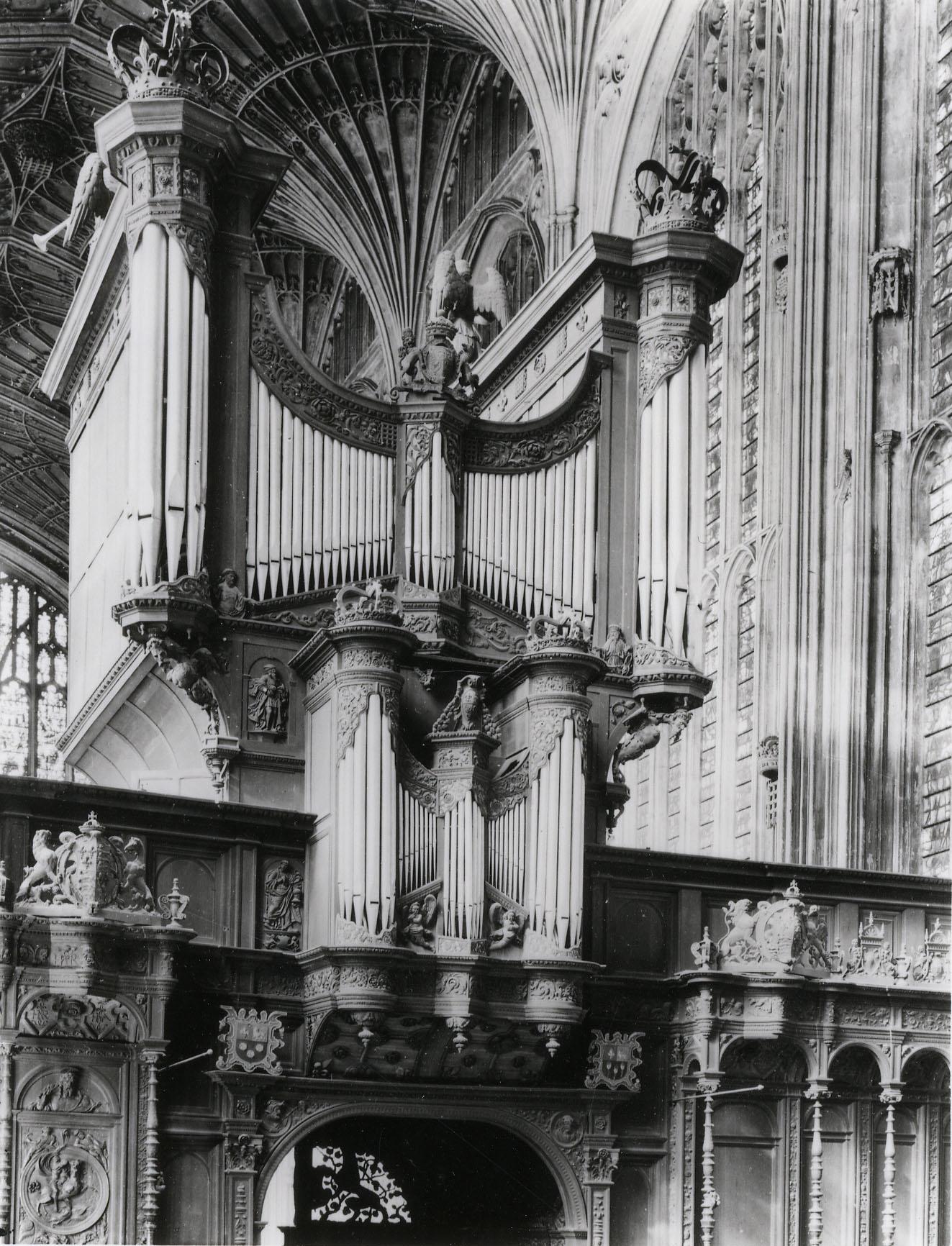 The organ case c. 1926, very like it was in 1911. (KCC/614)
