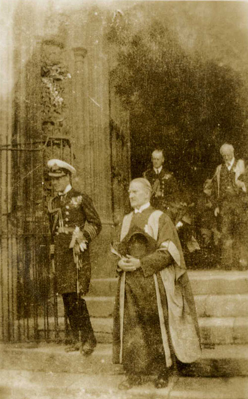 The Prince of Wales and Provost Durnford leaving Chapel, 1918. (KCPH/2/49)
