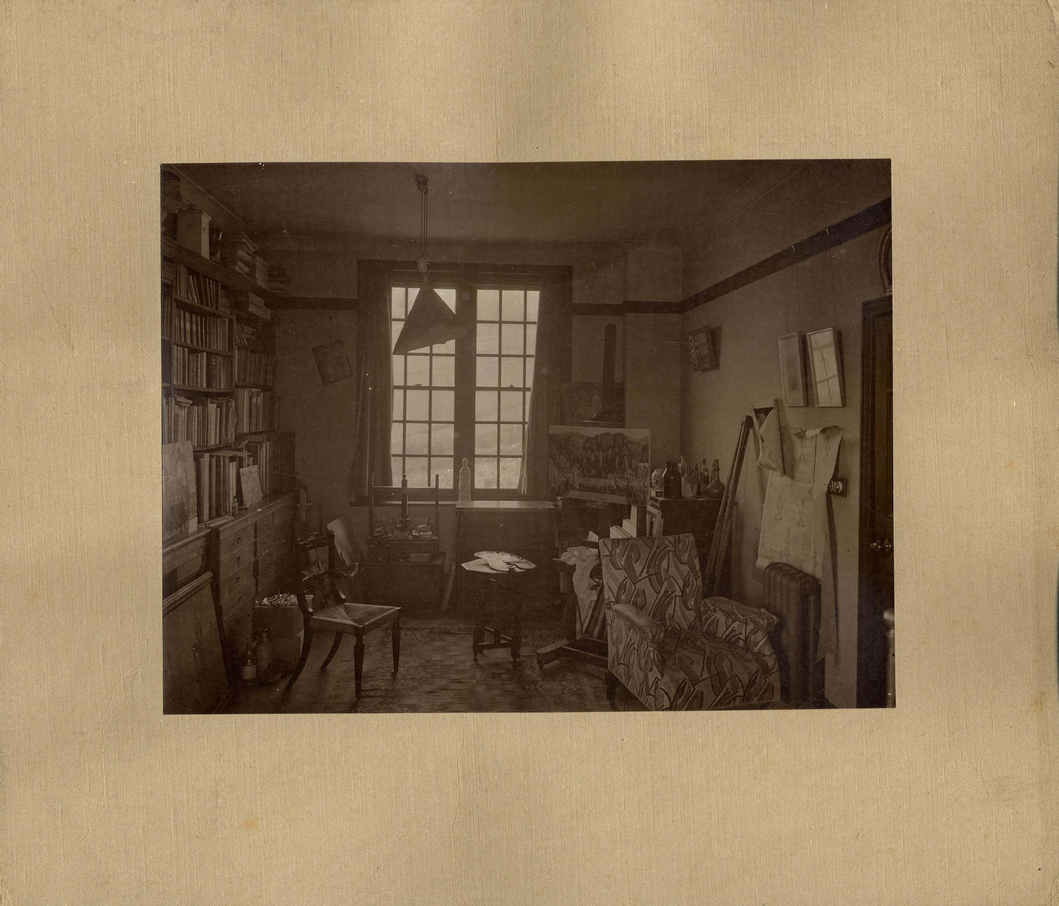 Interior photograph of Durbins, taken by A.C. Cooper and Co., King St., London, 1913-19. [REF/6/9]