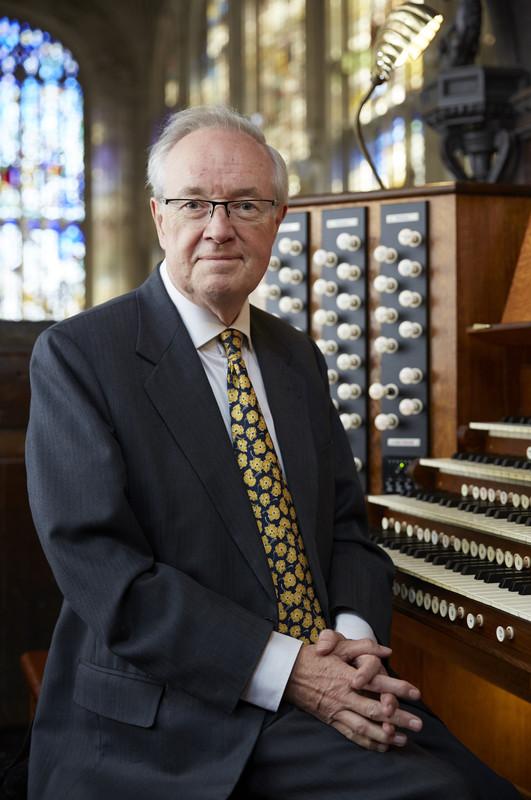 rs2665_kings_college_choir_organistsl_017-scr