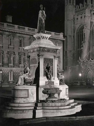 King's College Fountain floodlit. Photo by E. Leigh. (FRO/14)