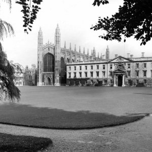 West end of the Chapel and Gibbs' Building (Coll-Ph-1250)