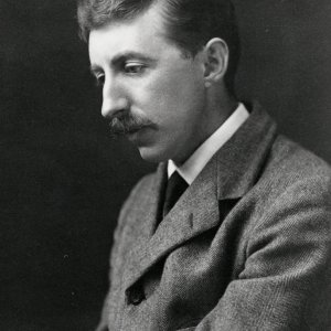 Studio photograph of E.M. Forster, taken by Edward Leigh in 1915 (EMF/27/319)