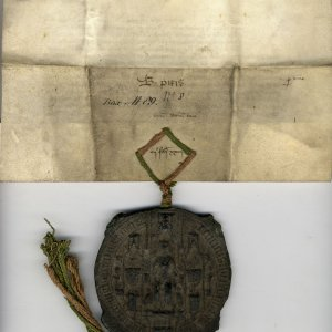 Royal Letters Patent granting an annuity of one tun (252 gallons) of wine in King's Lynn or London. 7 February 1446. Archive Centre, King's College, Cambridge. KC/62 (verso)