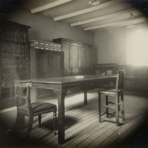 Photograph of the old muniments room, 1932 (KCAC/6/1/23/8)