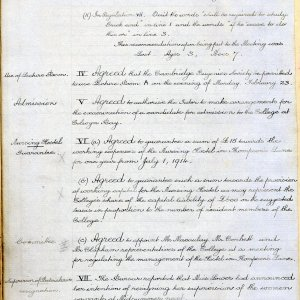 A page from the Council minutes reporting a retirement, 14 February 1914. [KCGB/5/1/4/8]