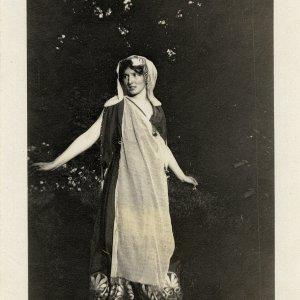 Brynhild Olivier as Helen of Troy in Doctor Faustus. [RCB/Ph/58]